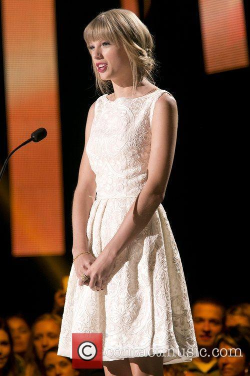 Taylor Swift and Country Music Association 5