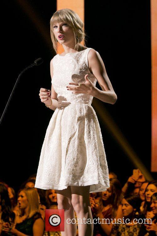 Taylor Swift and Country Music Association 13