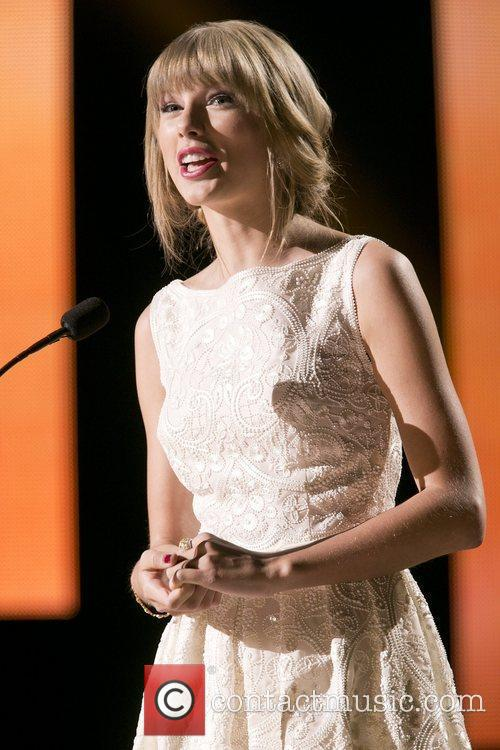 Taylor Swift and Country Music Association 14