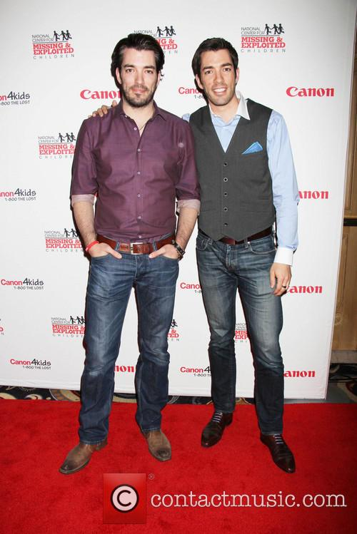 Jonathan Scott, Drew Scott and Bellagio Hotel 3