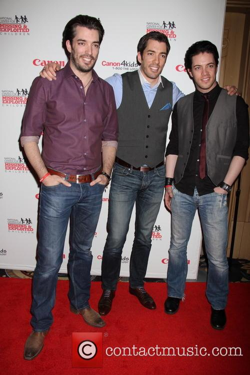 Jonathan Scott, Scott, Drew Scott and Bellagio Hotel 5