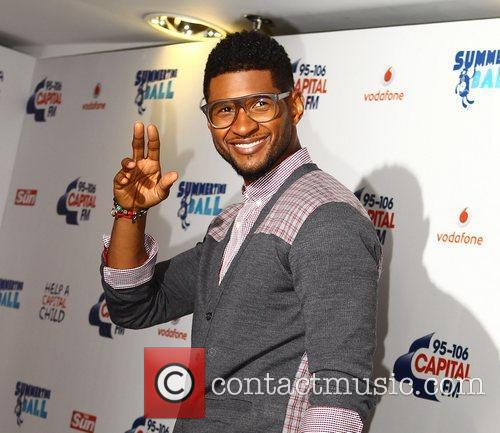 Usher and Wembley Stadium 9