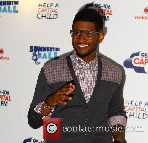 Usher and Wembley Stadium 11