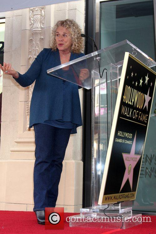 singer songwriter carole king is honored with a 5961891