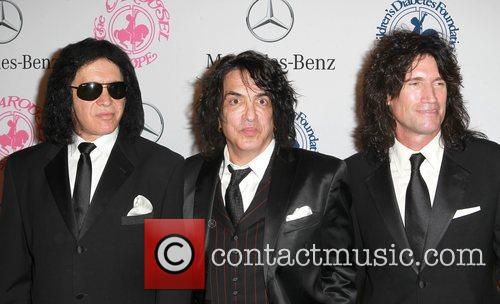 Gene Simmons, Paul Stanley and Tommy Thayer 6