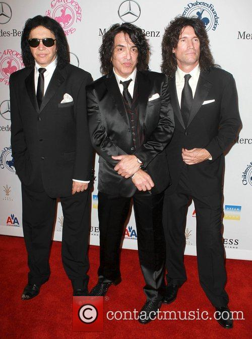 Gene Simmons, Paul Stanley and Tommy Thayer 7