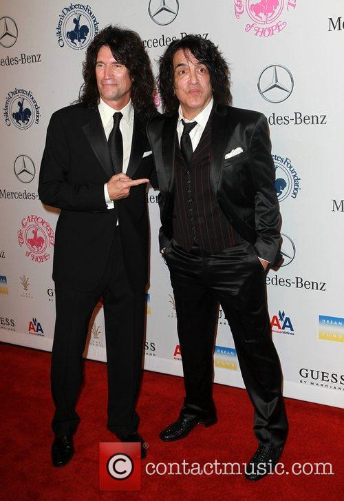 Paul Stanley and Tommy Thayer 7