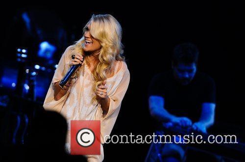 Carrie Underwood 15