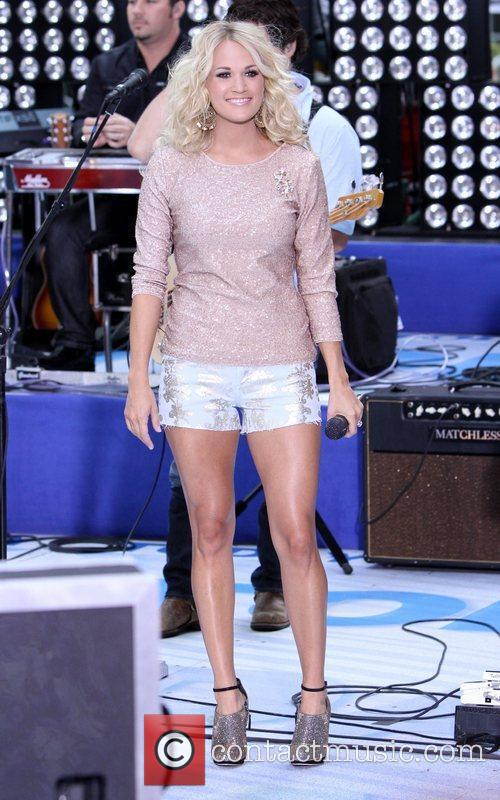 Carrie Underwood 29