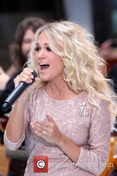 Carrie Underwood 32