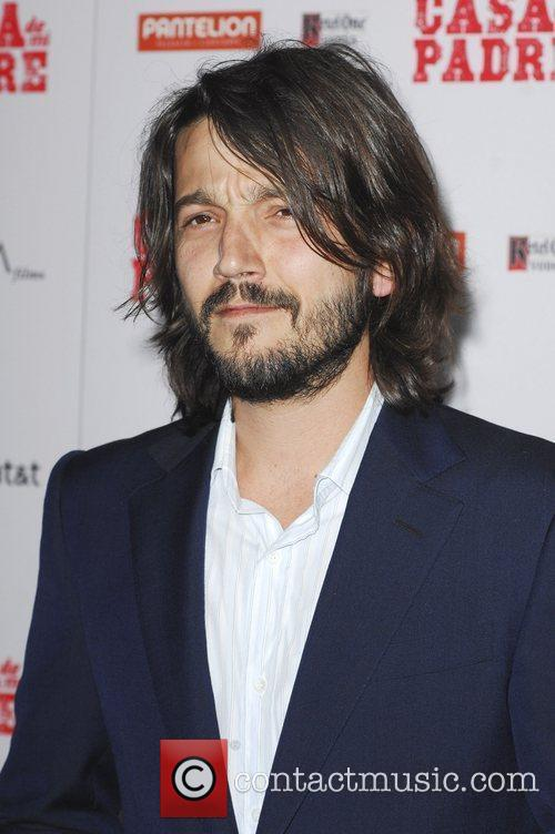 Diego Luna and Grauman's Chinese Theatre 9