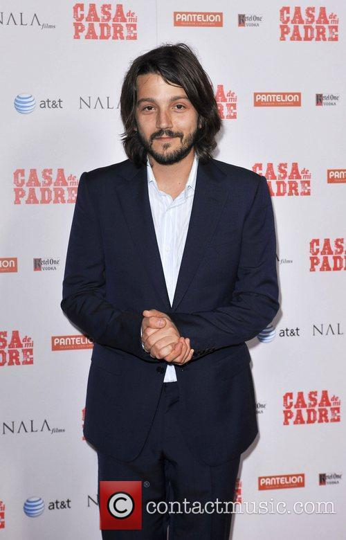 Diego Luna and Grauman's Chinese Theatre 10