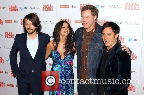 Diego Luna, Gael Garcia Bernal, Genesis Rodriguez, Will Ferrell and Grauman's Chinese Theatre 4