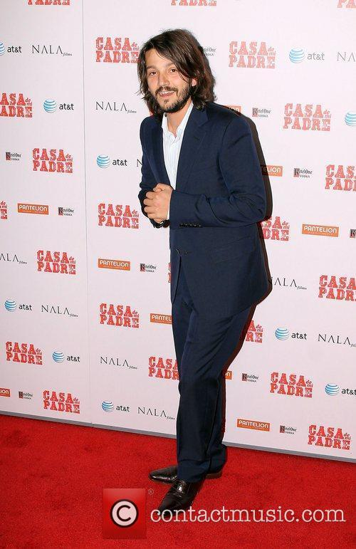 Diego Luna and Grauman's Chinese Theatre 1
