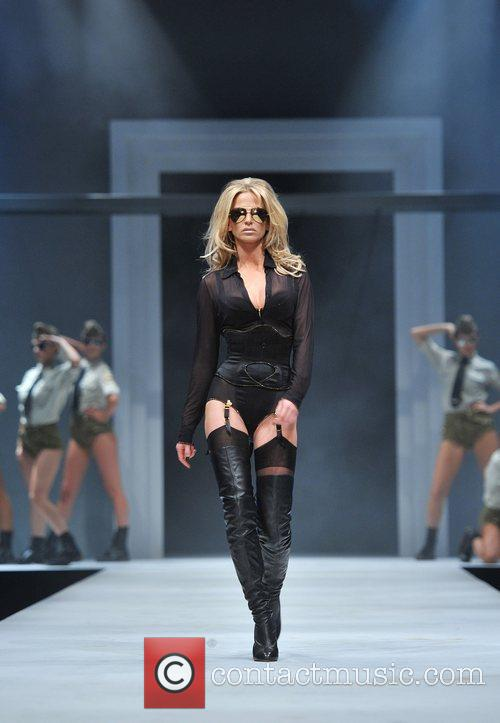 Sarah Harding and Old Billingsgate 9