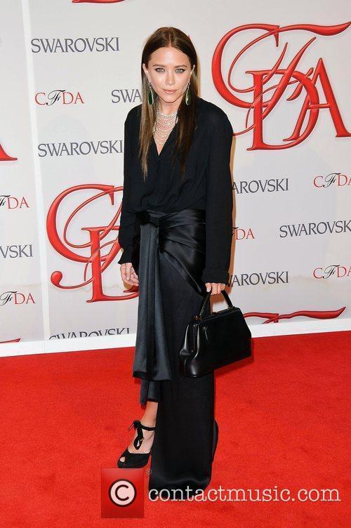 Mary-kate Olsen and Cfda Fashion Awards 1