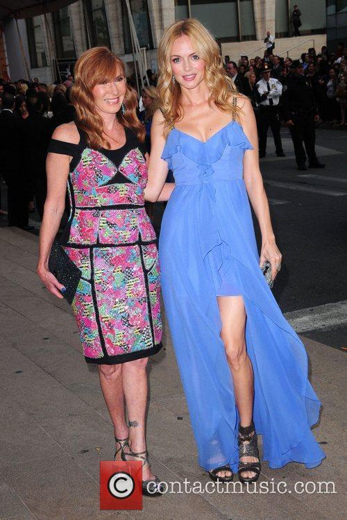 Heather Graham, Nicole Miller and Cfda Fashion Awards 2