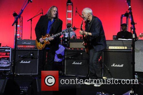 Warren Haynes and Peter Frampton 4