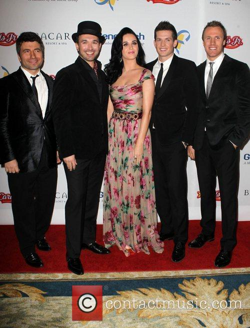 Katy Perry and The Tenors 4