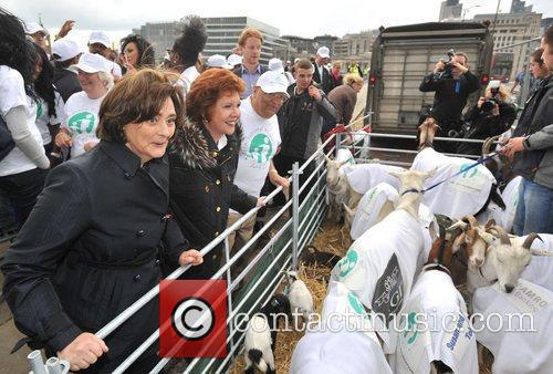 Cherie Blair and Cilla Black 8