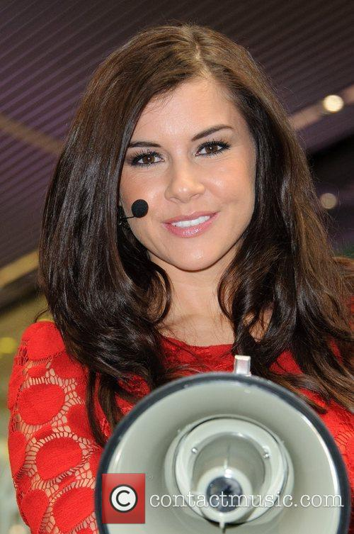 Imogen Thomas and Westfield Shopping Centre 2