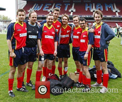 the inbetweeners team celebrity soccer six match 3895101