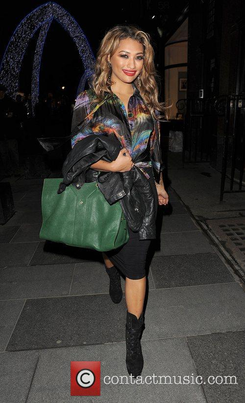 Vanessa White, The Saturdays and Supertrash 5