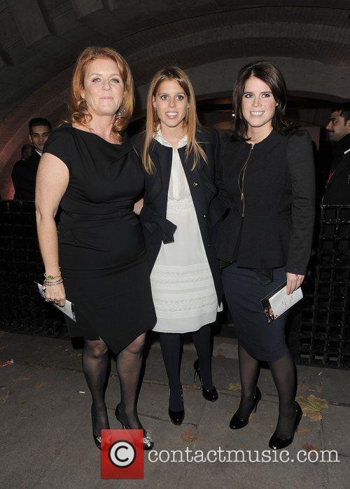 Sarah Ferguson, Princess Beatrice and Princess Eugenie 9
