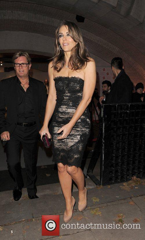elizabeth hurley valentino master of couture  4187511