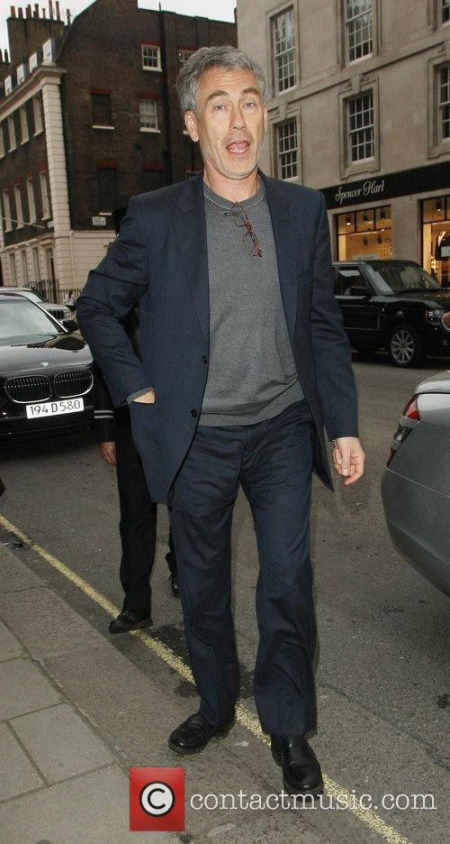 tony gilroy outside claridges hotel london england   170712 3994465
