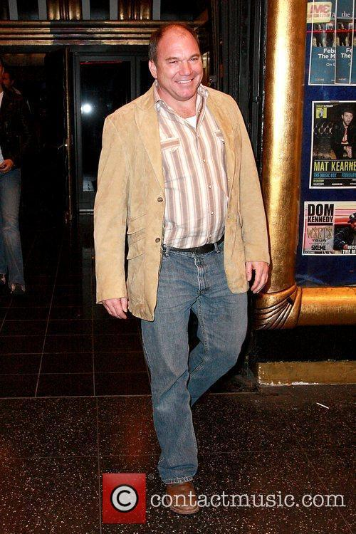 wade williams arriving at the music box 5764622