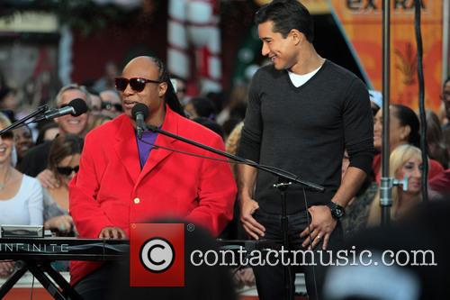 Stevie Wonder, The Grove and Extra 3