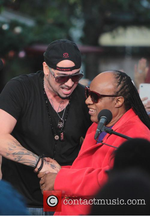 Stevie Wonder, The Grove and Extra 2