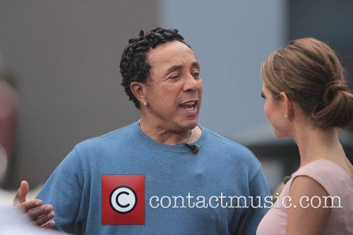 Smokey Robinson and Maria Menounos 4