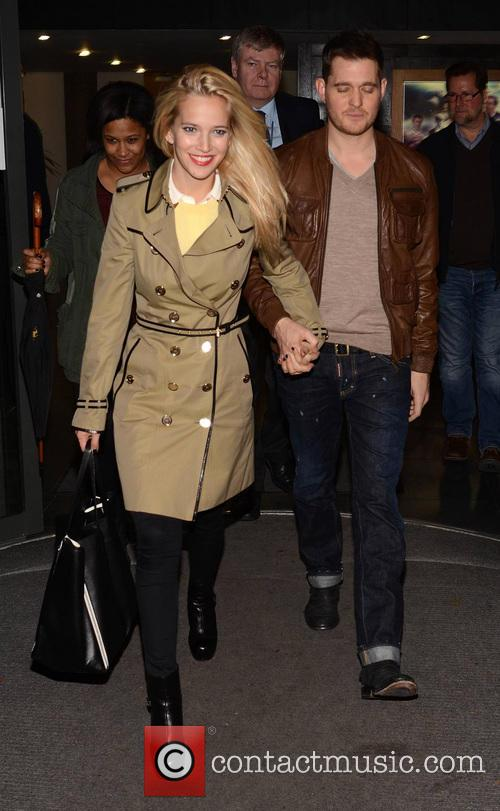 Featuring: Luisana Lopilato, Michael Buble