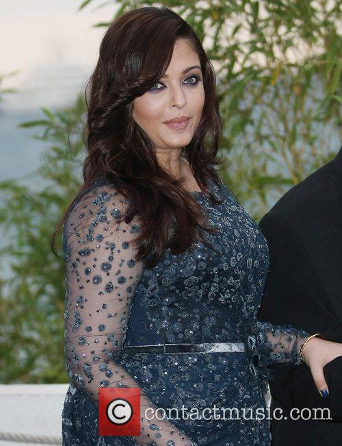 aishwarya rai celebrities outside the martinez hotel 3908666