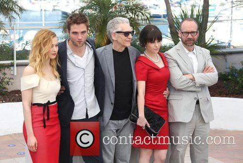 Sarah Gadon, David Cronenberg, Emily Hampshire, Paul Giamatti and Robert Pattinson 6