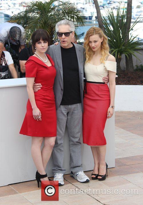 Emily Hampshire, David Cronenberg and Sarah Gadon 7