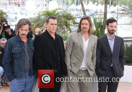 Ben Mendelsohn, Brad Pitt, Ray Liotta and Scoot Mcnairy 4
