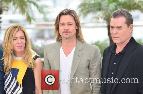 Brad Pitt and Ray Liotta 4
