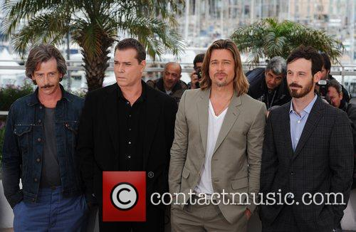 Ben Mendelsohn, Brad Pitt, Ray Liotta and Scoot Mcnairy 3