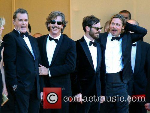 Ray Liotta, Brad Pitt and Scoot Mcnairy 2