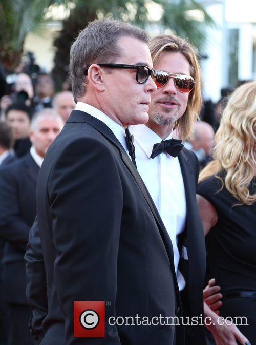 Ray Liotta and Brad Pitt 3