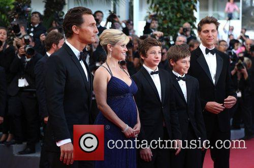 Reese Witherspoon, Matthew Mcconaughey and Jacob Lofland 9