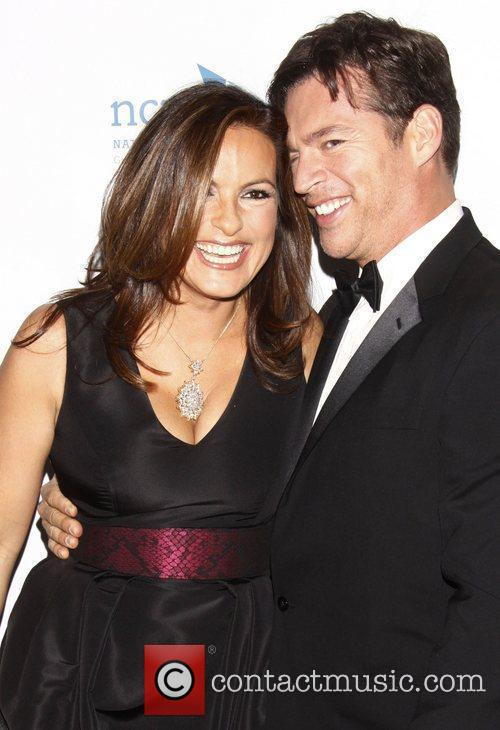 Mariska Hargitay and Harry Connick Jr. 3