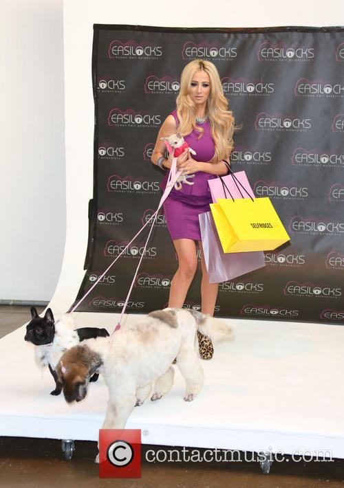 Chantelle Houghton, Easilocks and Worx Studios 6