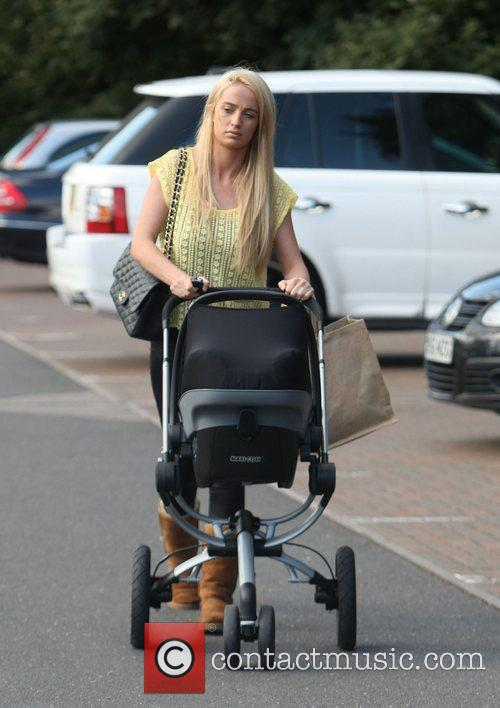 Out and about in Brentwood with her daughter...