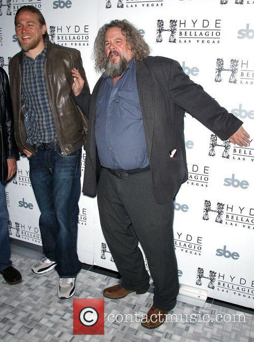Charlie Hunnam and Mark Boone Junior 5