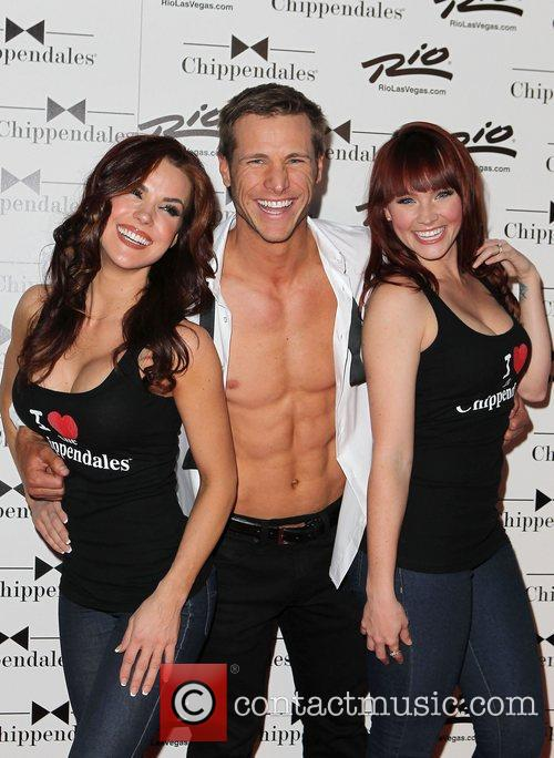jake pavelka chippendales chicks chippendales celebrate 10th 3748906