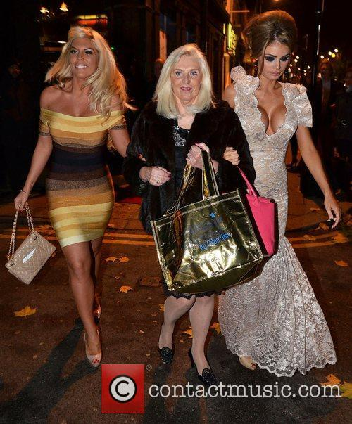 Chloe Sims and Frankie Essex 6